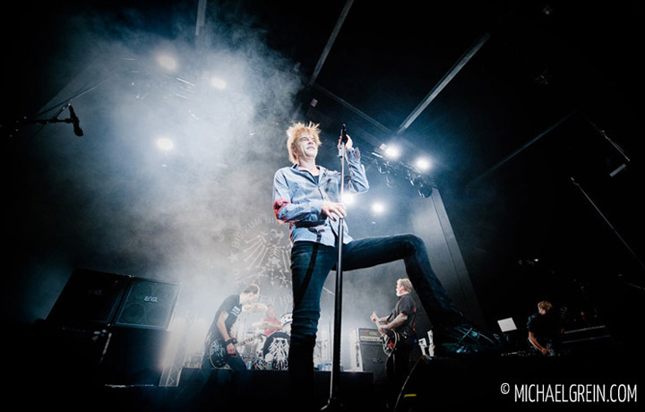 See full photo gallery of Die Toten Hosen 'Warm Up Show' live at Schlachthof Wiesbaden 2014