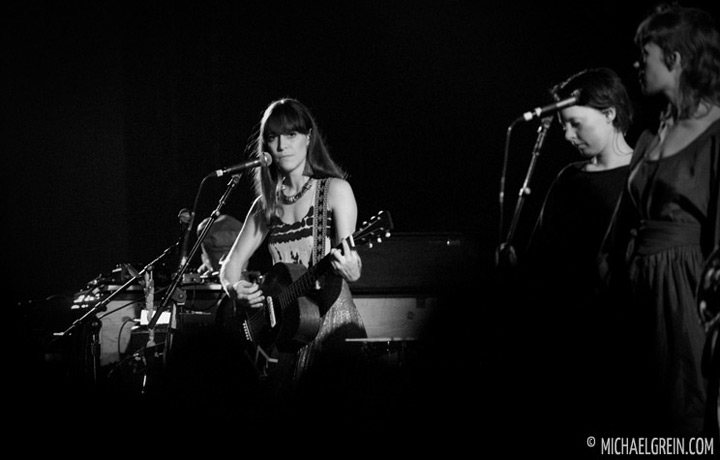 See full photo gallery of  Feist playing live at Jahrhunderthalle Frankfurt 2012