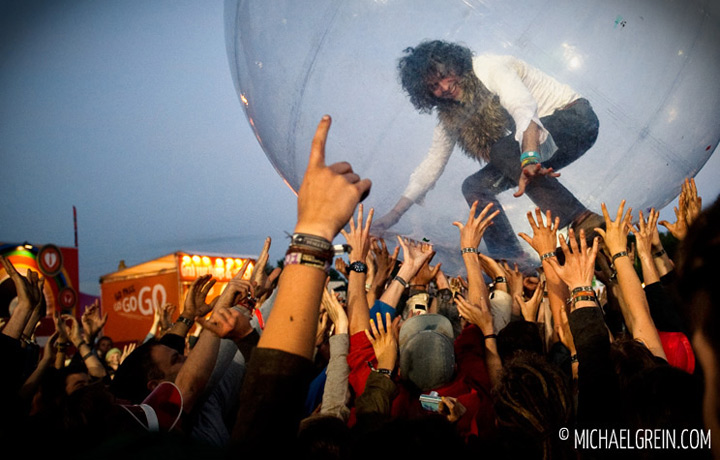 See full photo gallery of Flaming Lips playing live at Dour Festival 2012
