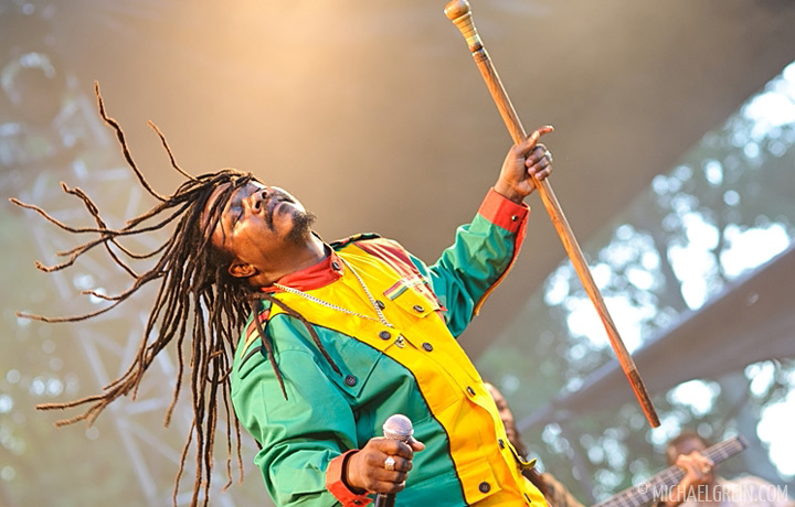 See full photo gallery of Luciano playing live Garance Reggae Festival 2010