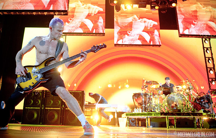 See full photo gallery of Red Hot Chili Peppers playing live at Festhalle Frankfurt 2011