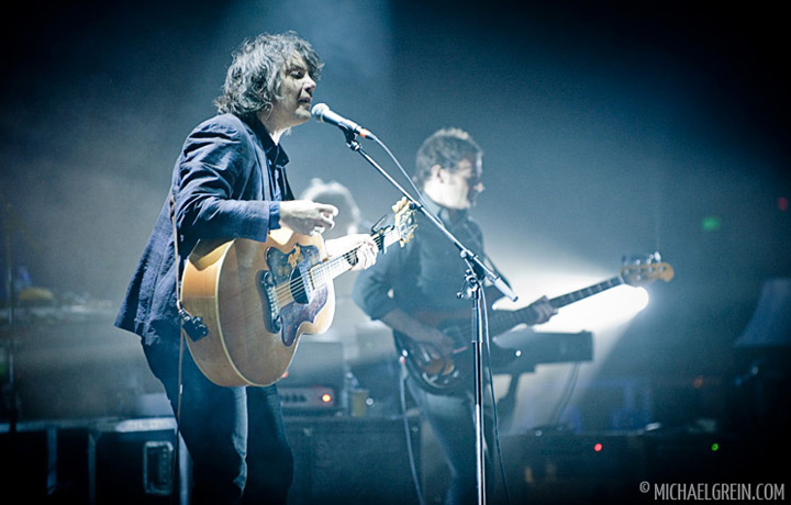 See full photo gallery of Wilco playing live at Alte Oper Frankfurt 2011